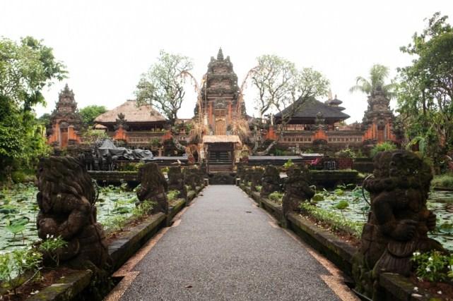 Kunjungi Pura Saraswati, Salah Satu Ubud Akomodasi Wisata Yang Terekomendasi